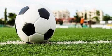 ลูกฟุตบอล ยี่ห้อนไหดีสุดปี 2020