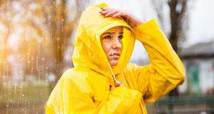 รีวิว เสื้อฝนหรือเสื้อกันฝน สำหรับขี่มอเตอร์ไซค์ จักรยาน ที่ดีที่สุด