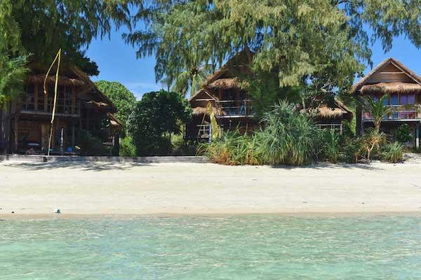 แคสอะเวย์ รีสอร์ท เกาะหลีเป๊ะ (Castaway Resort Koh Lipe)