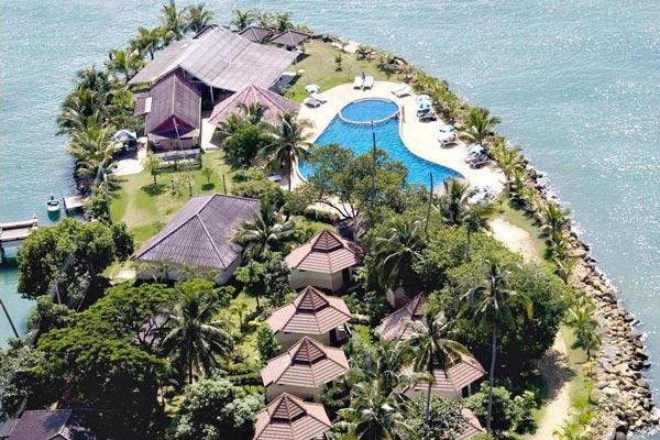 โครอล รีสอร์ท (Coral Resort)