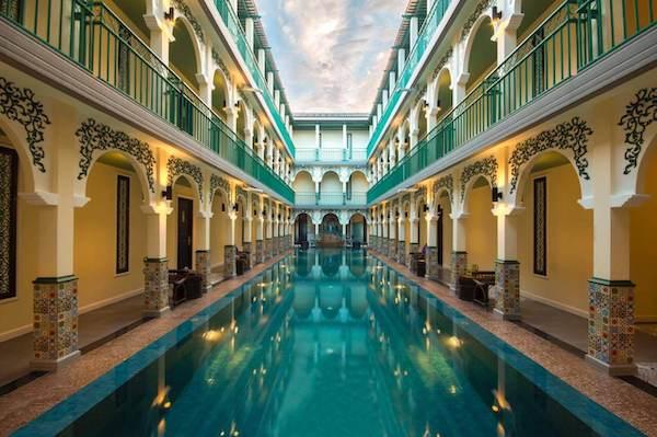 โรงแรมเดอะ แกรนด์ โมร็อค (The Grand Morocc Hotel)