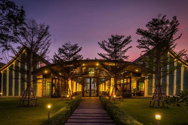 โรงแรม บางแสน เฮอริเทจ (Bangsaen Heritage Hotel)