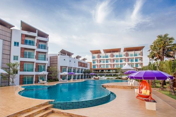 โรงแรม เซนต์ โทรเปซ บีช รีสอร์ท (Saint Tropez Beach Resort Hotel)