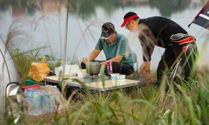 รีวิว โต๊ะพับได้ สำหรับกิจกรรมเอาท์ดอร์ เดินป่า ยี่ห้อไหนดีที่สุด ปี 2020