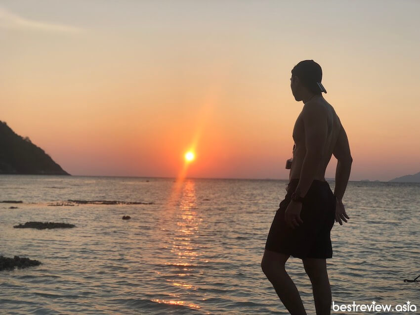 Sunset Beach จุดชมพระอาทิตย์ตกดินที่สวยที่สุด