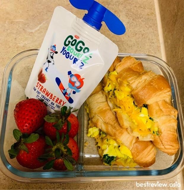 ครัวซองไข่ชีสผักโขม