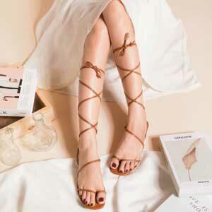 รองเท้าแตะพันขาโบฮีเมียน