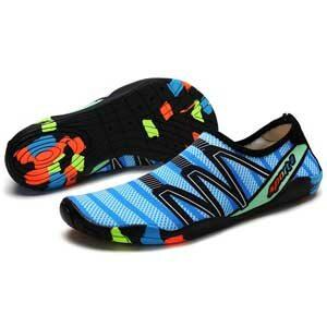 รองเท้าชายหาด รองเท้าเดินในน้ำ